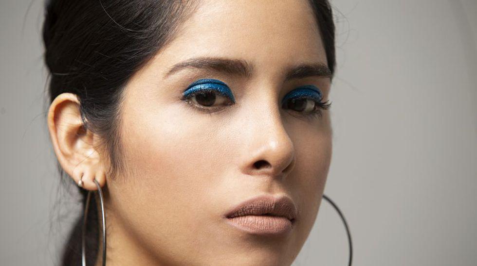Maquillaje Dark: Hará que marques la diferencia con esa mirada en tono azul. (Foto: José Rojas)