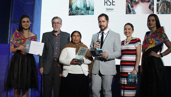 Coordinadora de Mujeres Aymaras recibió premio de 'Conectarse para crecer' en su novena edición. (Movistar)