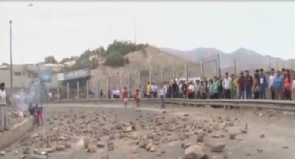 Ciudadanos de Manchay bloquearon vías del centro poblado. (Caotura RPPTV)