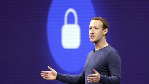 Especialistas sostienen que Facebook quiere evitar a toda costa ser el árbitro final que decida qué permite o retira. (Foto: AP)