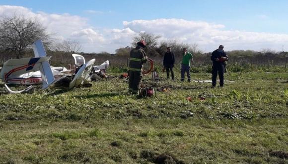 Avionetas se cayó en inmediaciones del Aeroclub Río de La Plata. (Foto: Twitter @cadena3Com)