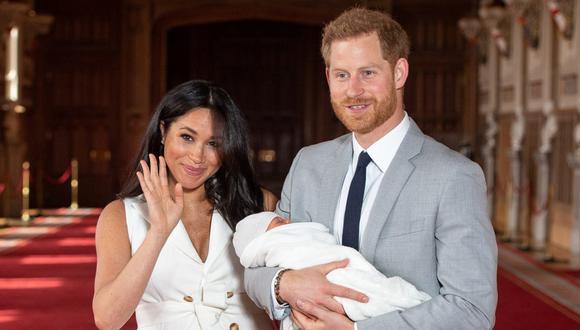 Meghan de Sussex y Enrique de Sussex agregaron sus títulos reales al certificado de nacimiento de Archie. (Foto: AFP)