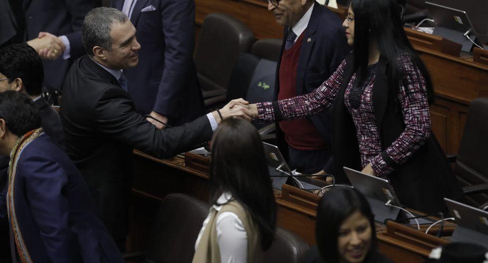 El primer ministro se acercó también a los integrantes de Nuevo Perú. (Foto: Anthony Niño de Guzmán / GEC)