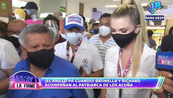 Brunella Horna junto al candidato presidencial César Acuña. (Foto: Captura ATV)