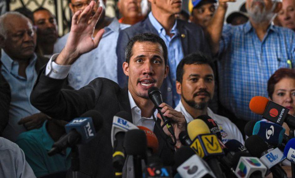 Juan Guaidó durante una conferencia de prensa después de una reunión con líderes sindicales en Caracas el 5 de marzo de 2019. (Foto: AFP)