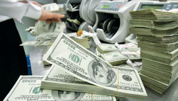 El dólar cerró al alza el viernes. (Foto: AP)
