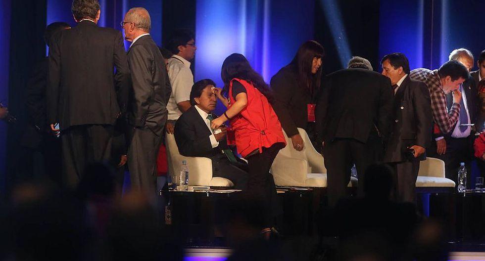 Alejandro Toledo siendo maquillado. (Luis Centurión)