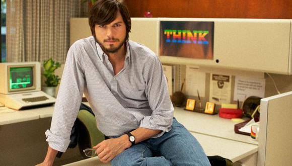 Kutcher caracterizado como el genio de Apple. (The Film Stage)