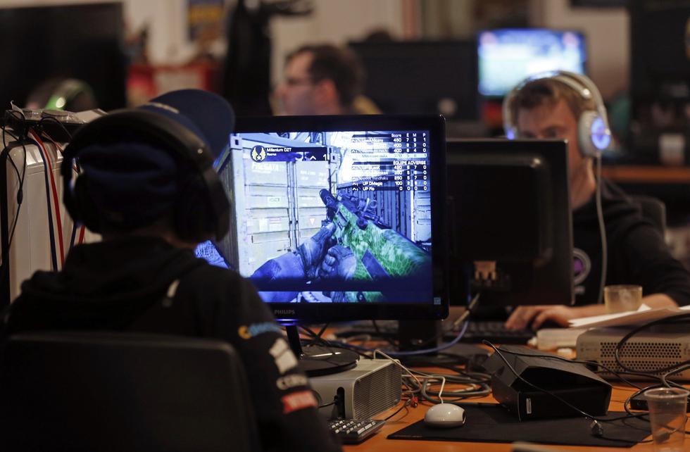 Los jugadores de deportes electrónicos (eSports) deberán cumplir con el requisito de ser mayor de 18 años. (Foto: Reuters)
