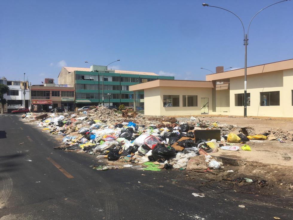 BOTADERO. En las calles de Bellavista había 600 toneladas de basura.