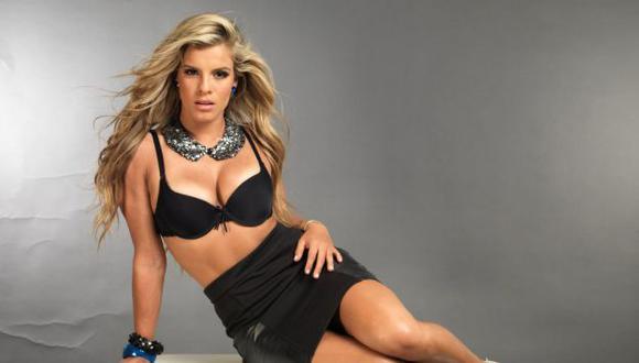 Alejandra Baigorria se sometió hace unas semanas a un aumento de senos. (Facebook)