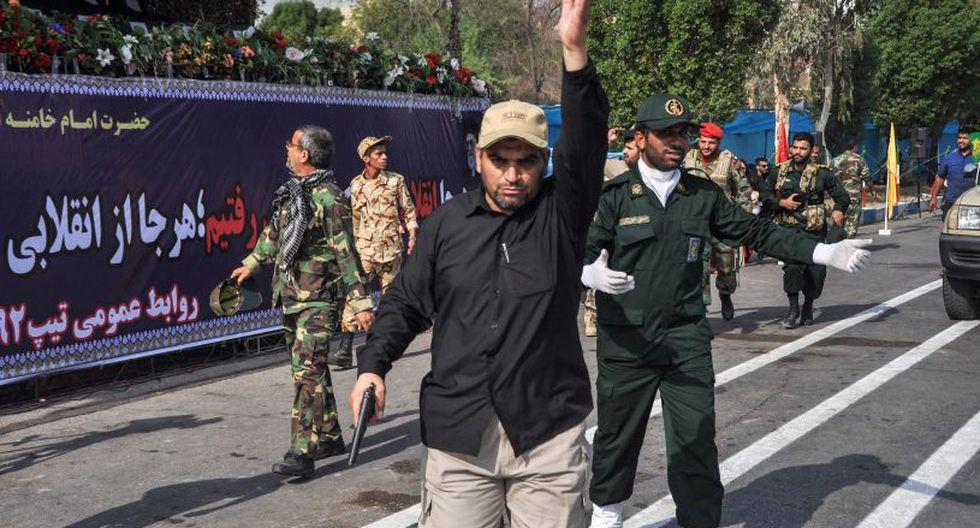 """Los Guardianes de la Revolución, el ejército ideológico de la República Islámica, había acusado previamente a los asaltantes de estar vinculados a un grupo separatista árabe apoyado """"por Arabia Saudita"""". (Foto: AFP)"""
