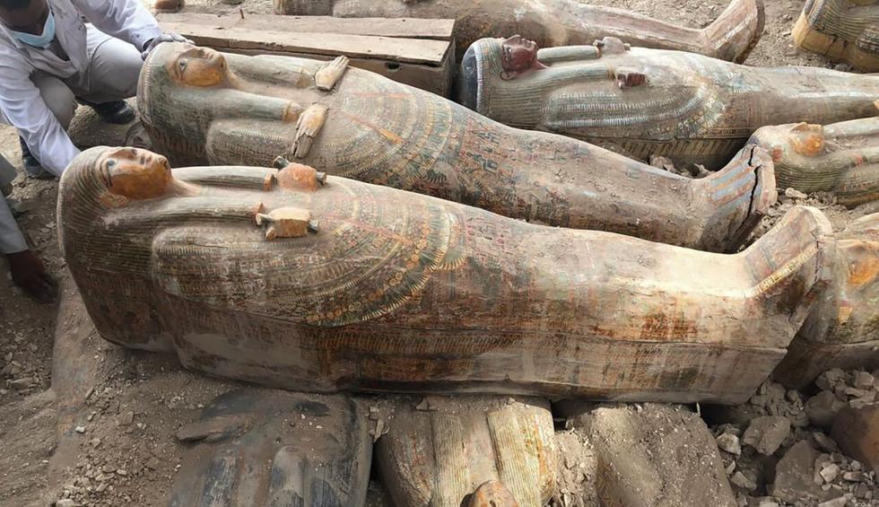 El increíble descubrimiento de al menos 20 sarcófagos antiguos en Egipto. (Foto: AP)