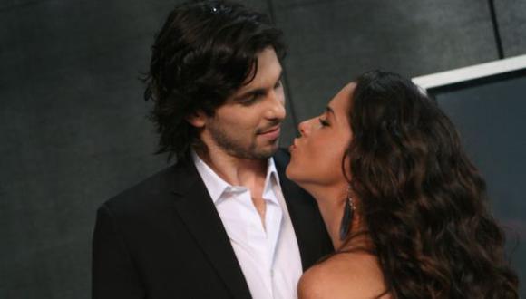 """El actor manifestó que """"hay un exceso de romanticismo y pasión en esta telenovela"""".(Rochi León)"""