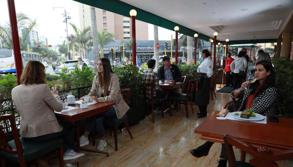 El Gobierno levantó las restricciones para los restaurantes grandes. (Foto: GEC)