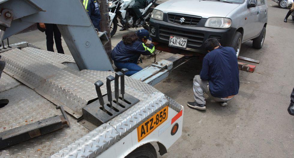 Esta operación estuvo liderada por el alcalde de la jurisdicción, George Forsyth, quien indicó que estos buses y camiones de carga se estacionaban en espacios públicos. (Foto: Municipalidad de La Victoria)