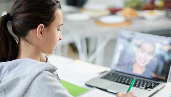 Funcionario del Minedu adelantó que en 2022 se propondrá el retorno a las clases semipresenciales, un sistema mixto que combine clases presenciales y a clases a distancia.