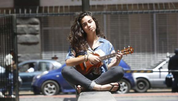 """Clara Yolks recientemente estrenó el video de """"Lunera"""". (Foto Mario Zapata)."""