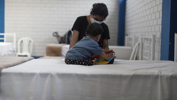 Niños y adolescentes menores de 14 años, así como los adultos mayores de 65 años continuarán en aislamiento. (Foto: César Campos/Referencial GEC)