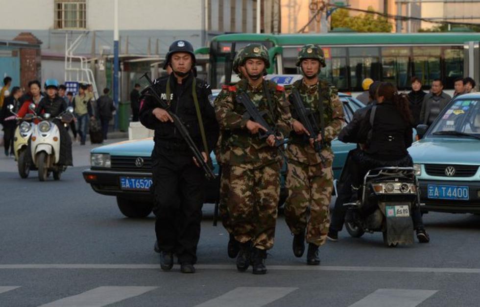 China: Ocho heridos graves en ataque con cuchillo en autobús. (AFP)