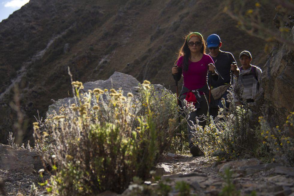 El camino en la Cordillera Huayhuash es algo pesado pero vale la pena, pues al final te llevarás una gran sorpresa. (Foto: PromPerú)&nbsp;<br>