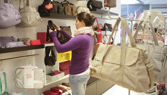 Peruanos siguen comprando. (USI)