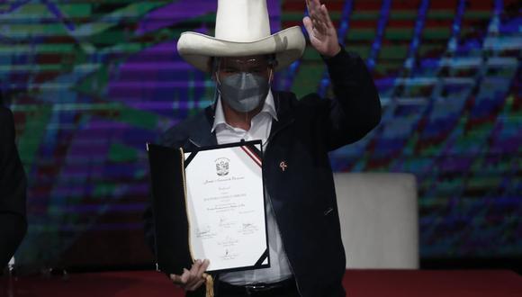 Pedro Castillo Terrones recibió sus credenciales como Presidente Constitucional de la República del Perú para el periodo 2021-2026. (Foto: César Campos Medina / @photo.gec)