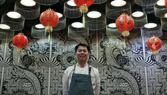 El cocinero, de 36 años, nos cuenta cómo llego a ser cocinero principal en el restaurante Madam Tusan. (Perú21/ Mario Zapata)