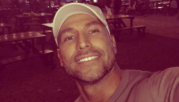 El actor participó en una transmisión en vivo, donde respondió preguntas de sus seguidores, relatando cómo fue su proceso para superar sus adicciones y excesos. (Foto: Rafael Amaya / Instagram)