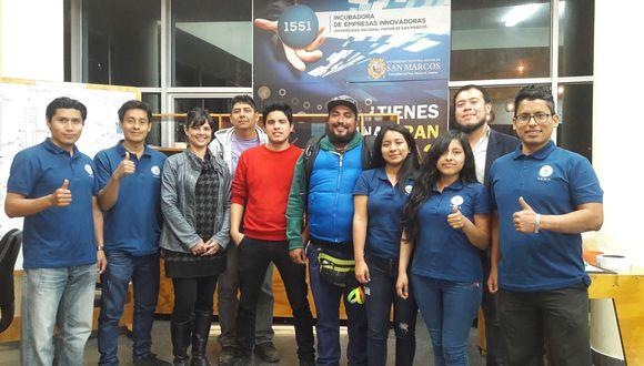 Equipo de estudiantes entre los 10 semifinalistas. (Andina)