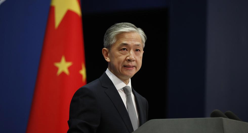 El portavoz del Ministerio de Relaciones Exteriores de China, Wang Wenbin, habla durante una conferencia de prensa en Beijing. El gobierno de los Estados Unidos ordenó el cierre del consulado chino en Houston, Texas, antes del 24 de julio. (EFE/EPA/WU HONG).