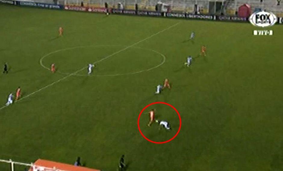 Gustavo Dulanto cometió este blooper y Real Garcilaso quedó fuera de la Copa Libertadores. (Video: Fox Sports)