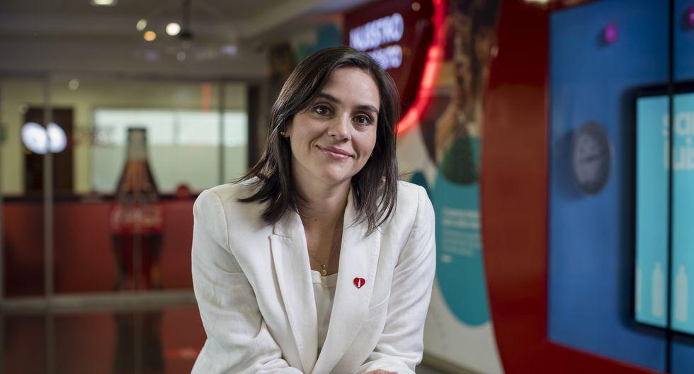 Sandra Alencastre, directora de Asuntos Públicos de Coca-Cola, explica cómo la transnacional está enfrentando la pandemina del coronavirus. (Foto: Coca-Cola)