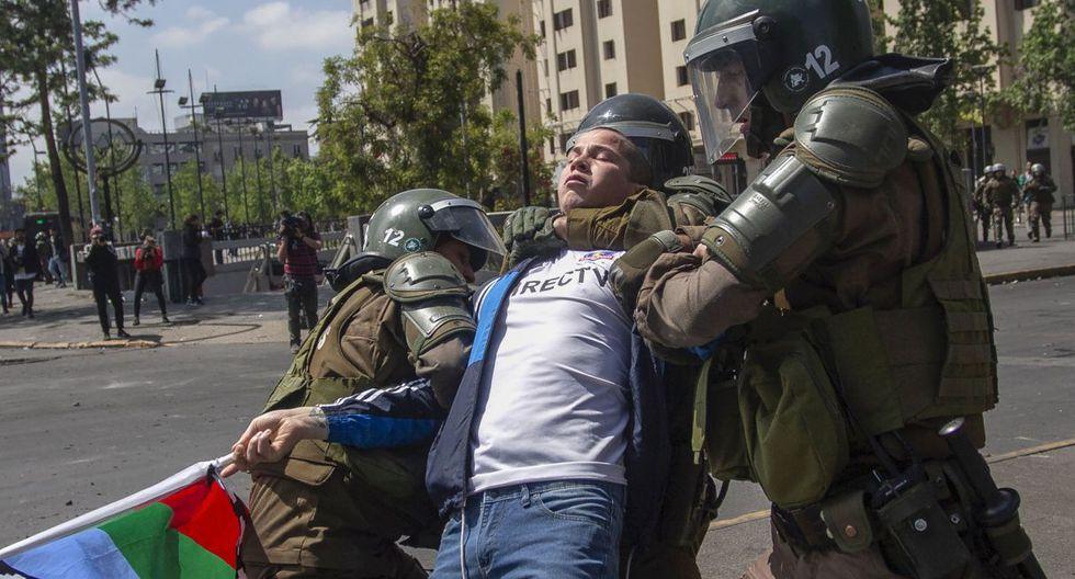 Chile vivió su sexto día de protestas masivas en reclamo de reformas en pos de la igualdad y la dimisión del presidente Piñera y su Gabinete. (Foto: AFP)
