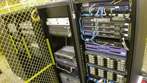 Uno de los cientos de servidores de la página distribuidos en todo el mundo. (fayerwayer.com)