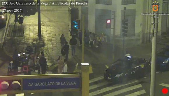 Serenos de la Municipalidad de Lima detienen a travesti que robaba celulares. (MML)