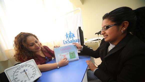 En Lima, Callao y Huacho se realizarán despistajes de cáncer de cuello uterino. (EsSalud)
