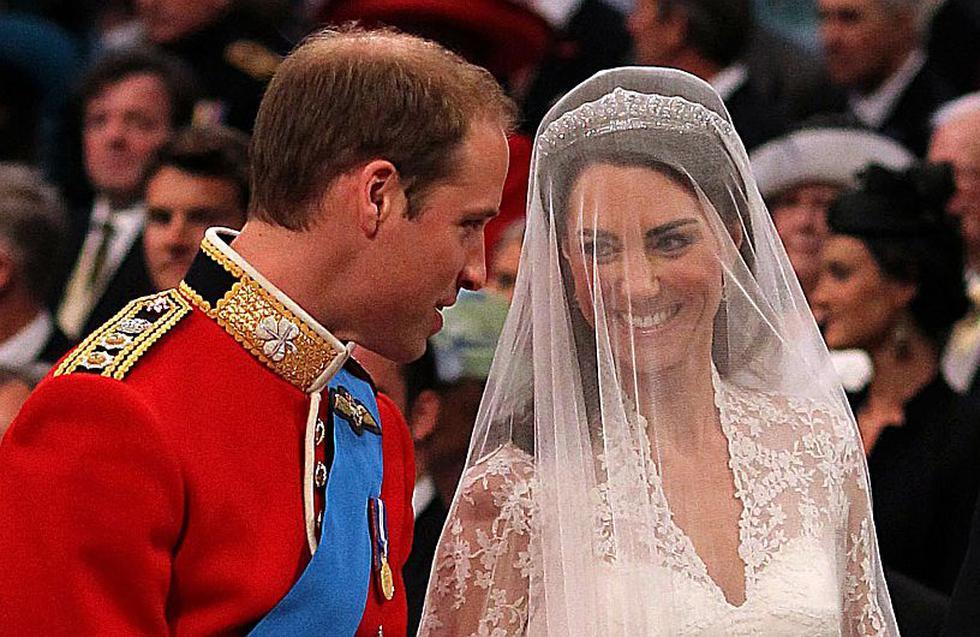 Porción de pastel de la boda del príncipe Guillermo y Catalina Middleton será subastada en Estados Unidos. (AFP)