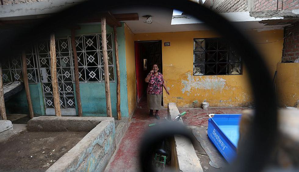 Túnel Santa Rosa: Vecinos de más de 20 viviendas exigen que reparen sus casas. (Luis Gonzáles)