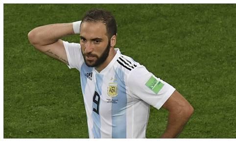 Gonzalo Higuaín anunció su retiro de la selección argentina en marzo del 2019.