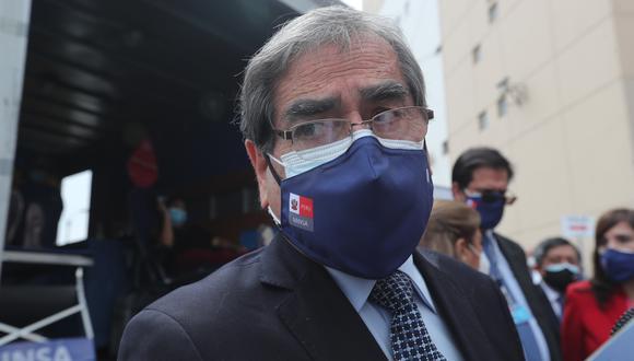 El ministro de Salud, Óscar Ugarte, consideró necesario que se mantenga actual cronograma de vacunación, que contempla a adolescentes de 12 a 17 años.   (Foto: archivo GEC)