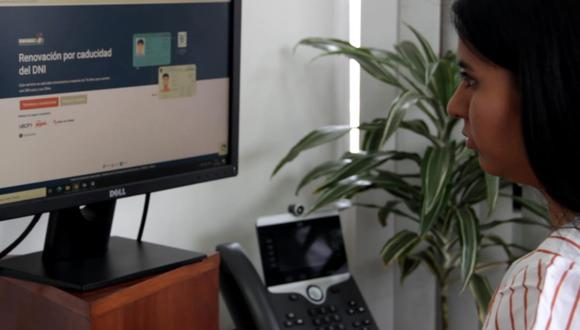 Desde la comodidad de su casa o de su oficina puede tramitar el duplicado de su DNI. (Foto: Reniec)