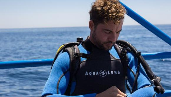 David Bisbal demuestra su pasión por el mar y bucea junto a sus fanáticos. (@davidbisbal)