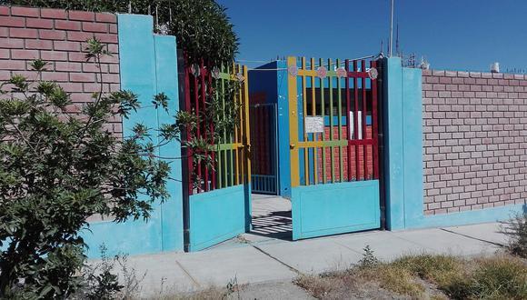 En pleno toque de queda, delincuentes roban alimentos y equipos de jardín escolar en Characato.
