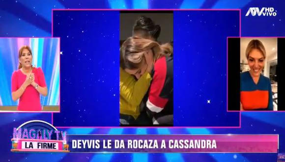 Deyvis Orosco entregó anillo de compromiso a Cassandra Sánchez De Lamadrid. (Foto: captura de video)