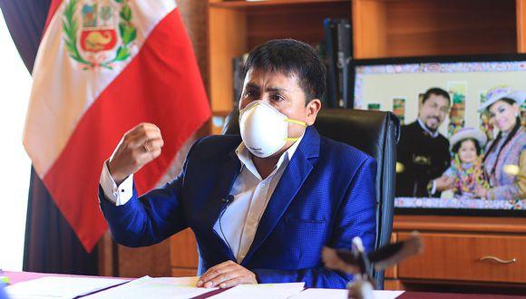 Cáceres Llica, quien asumió el cargo de gobernador en 2019, es cuestionado actualmente por su deficiente manejo de la pandemia en la región Arequipa.