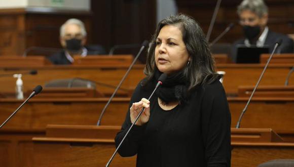 Rocío Silva Santisteban se enfrentó a varios de sus colegas que aprobaron la vacancia de Martín Vizcarra. (Foto: Congreso)