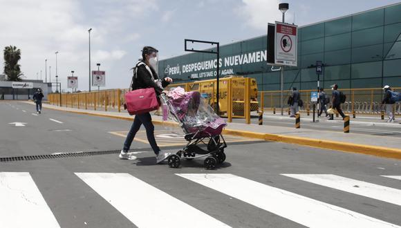 Foto referencial. El presidente de Apavit, Ricardo Acosta, recomendó acudir a las agencias de viaje para comprar pasajes de vuelos a Estados Unidos. (Foto: Leandro Britto / GEC)