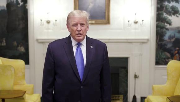 El presidente de Estados Unidos, Donald Trump, hace un anuncio después de que él y la primera dama Melania Trump dieron positivo por la enfermedad del coronavirus (COVID-19), en Washington, Estados Unidos. (Reuters/ @realDonaldTrump).