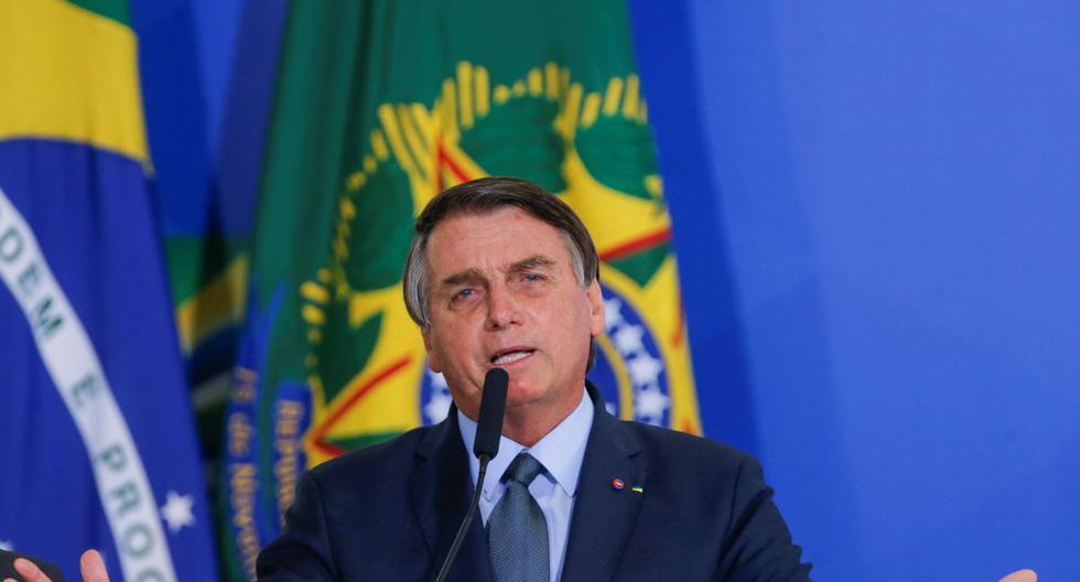 """Jair Bolsonaro dice que """"quedarse en casa"""" para evitar coronavirus es para débiles"""